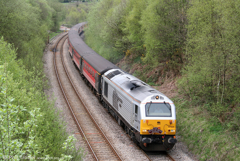 67029 'Royal Diamond' passes Llangyfelach, Swansea District Line, with MCRUA's 1Z45, 0640 Hooton to Cardiff Central, 'The Heart of Wales Express' on 25th April 2009.