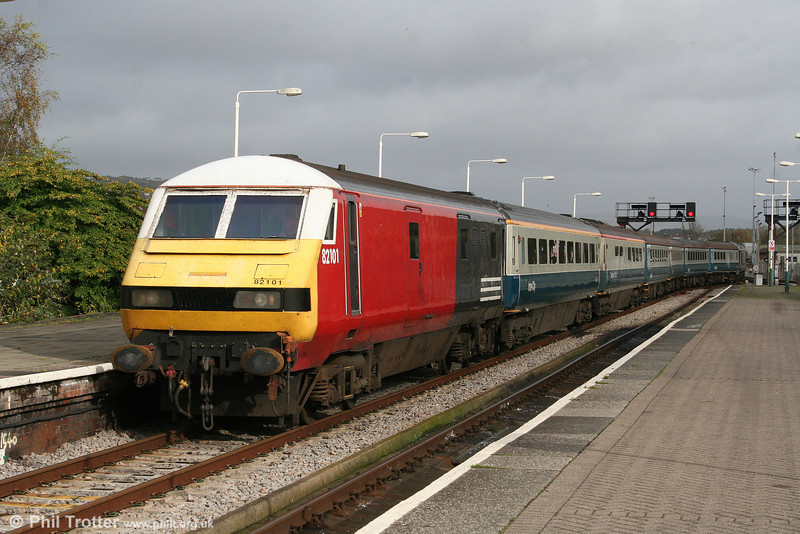 DVT 82101 is propelled into Platform 1 at Swansea by 67006 on 25th October 2009.