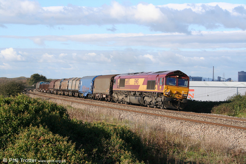 Sunshine at last! 66192 passes Kenfig with 6M30, 1100 Margam to Dee Marsh on 8th November 2009.