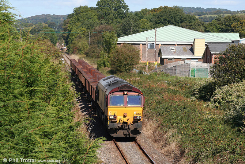 66060 has just passed Ammanford & Tirydail as it continues south with 6Z22, 0555 Llanwern to Margam on 20th September 2009.