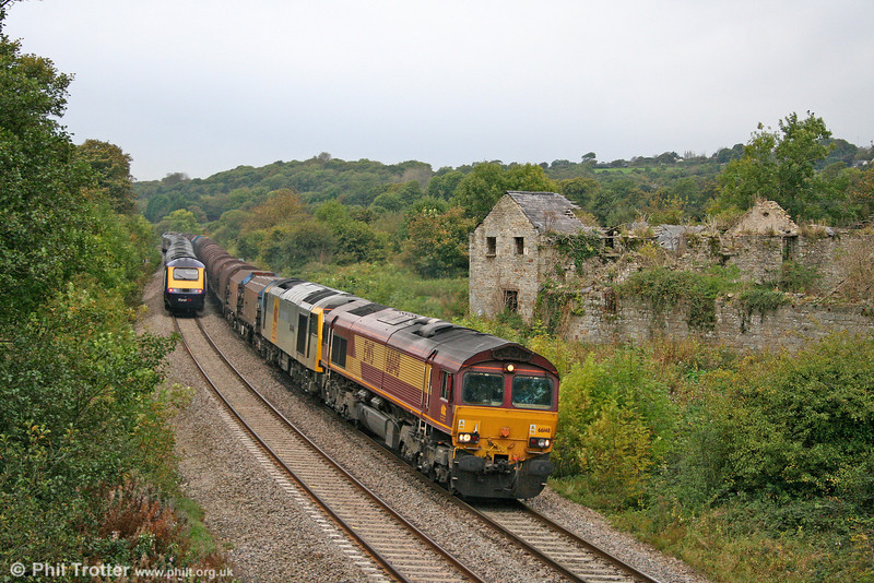 66148 with failed 60063 'James Murray' DIT pass Llangewydd on 6H25, 0955 Margam to Llanwern on 9th October 2009.