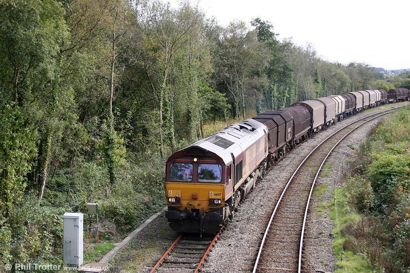 Due to the unexpected closure of the Garw Loop, 66157 runs along the seldom used Llynfi Goods Loop with the return 6H26, 1430 Llanwern to Margam on 4th October 2009.