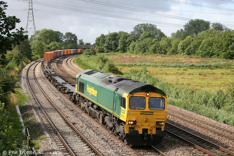 66536 at Duffryn with 4O51, 1000 Wentloog to Southampton Freightliner on 27th July 2009.