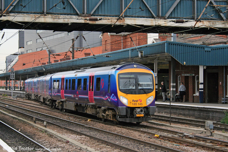 First TransPennine Express is running a restricted service throughout the summer as a consequence of engineering work between Doncaster and Scunthorpe. On 6th August 2009, 185145 is seen leaving Doncaster with the 1642 Doncaster to Manchester Airport.