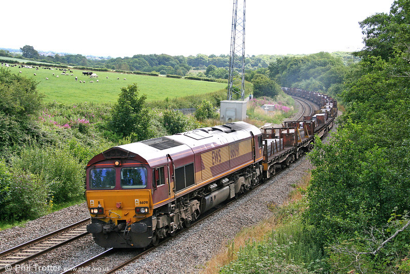 66091 passes Llangewydd with 6V09, 2046 Lackenby to Margam steel slabs on 25th July 2009.