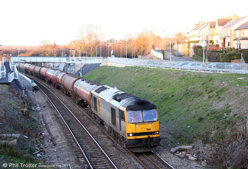 60066 'John Logie Baird' - but nowadays running without its nameplates - passes Llanharan with 6B13, 0510 Robeston to Westerleigh loaded tanks on 3rd January 2009.