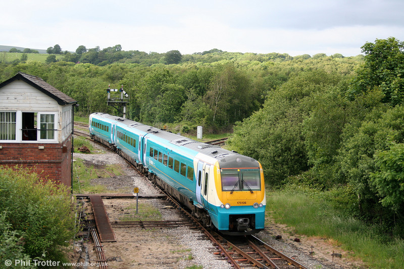 Having previously worked the 1238 Holyhead to Maesteg, 175106 returns through Tondu forming the 1820 Maesteg to Cardiff Central on 13th June 2009.