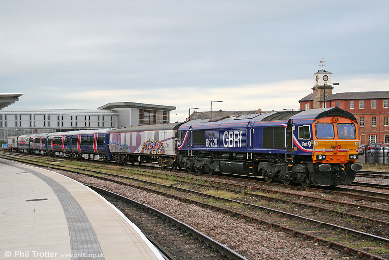 Delivery of FCC's new 377/5 units is now well under way. Here, GBRf 66728 'Institution of Railway Operators' prepares to leave Derby with 377506, forming 5X77, 1945 Derby Adtranz Litchurch Lane to Selhurst on 3rd August 2009.
