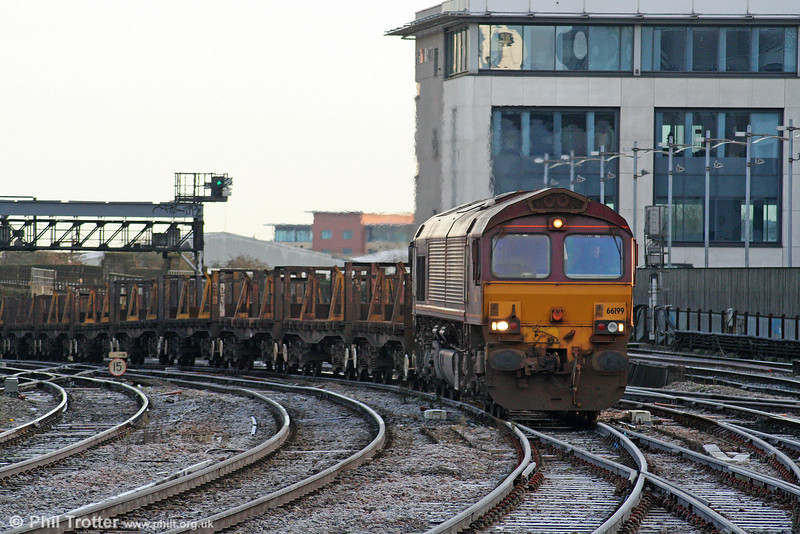 66199 approaches Cardiff Central with 6H22, 0755 Llanwern to Margam, one of the few freights running in South Wales on 28th December 2009.