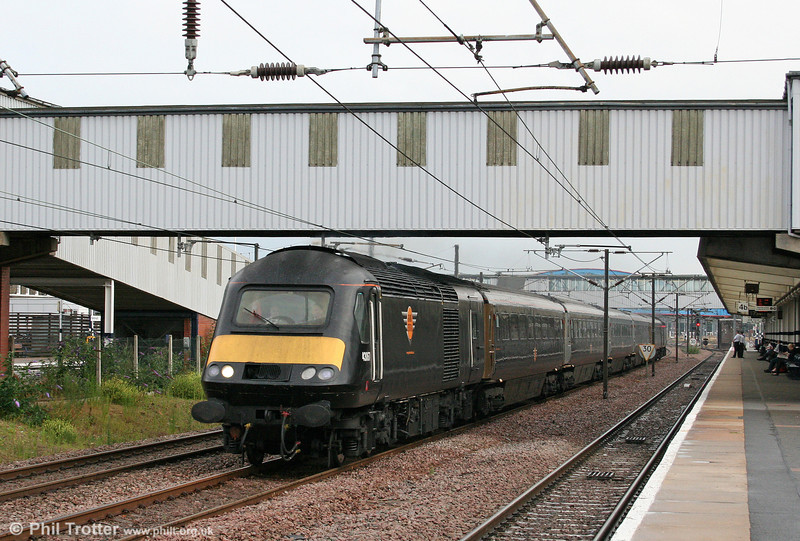 43067 heads north through Peterborough with the 1650 London King's Cross to Sunderland on 4th August 2009.