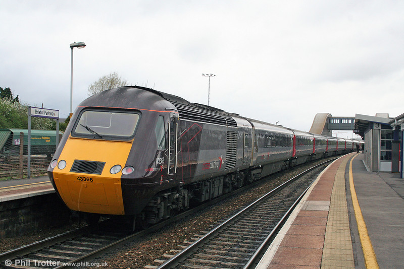 XC 43366 brings up the rear of 1V39, the 0632 Dundee to Plymouth at Bristol Parkway on 9th April 2009.