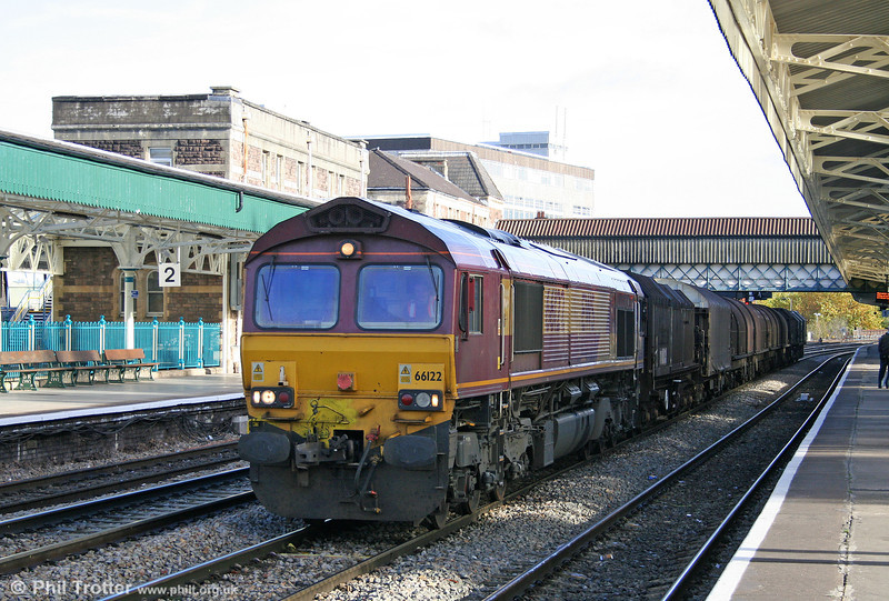 66122 passes through Newport with 6F03, 0930 Llanwern to Newport Docks on 30th October 2010.