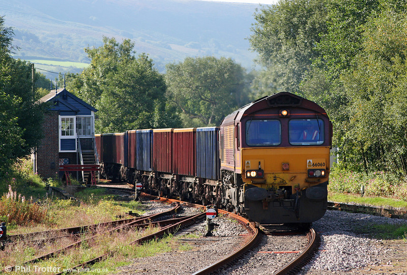 66060 runs onto the GCG branch at Pantyffynnon with 6G05, 0920 Swansea Burrows Yard to Gwaun Cae Gurwen on 2nd September 2010.