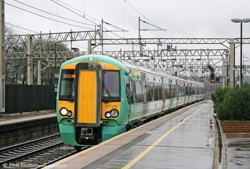 SR 377210 calls at Watford Junction forming the 1010 East Croydon to Milton Keynes Central on 20th March 2010.