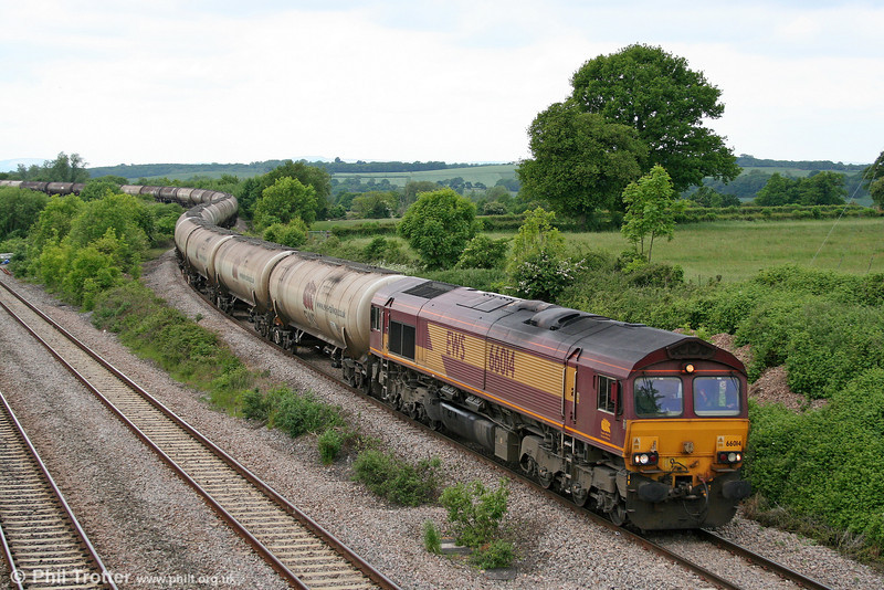 66014 at Llandevenny with the returning diverted 6E41, 1141 Westerleigh to Lindsey Oil Refinery on 31st May 2010.