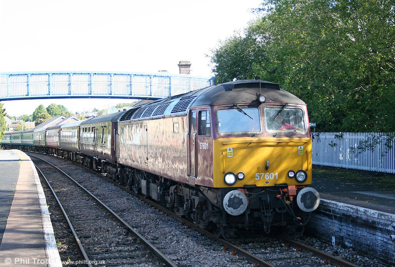 Prototype class 57 no. 57601 arrives at Llandrindod Wells with 1Z15/51, 0600 York to Cardiff Central, 'The Heart of Wales Statesman' on 11th September 2010. 57601 was rebuilt from class 47 no. 47825 (47165/590/D1759) in 2000-2001.