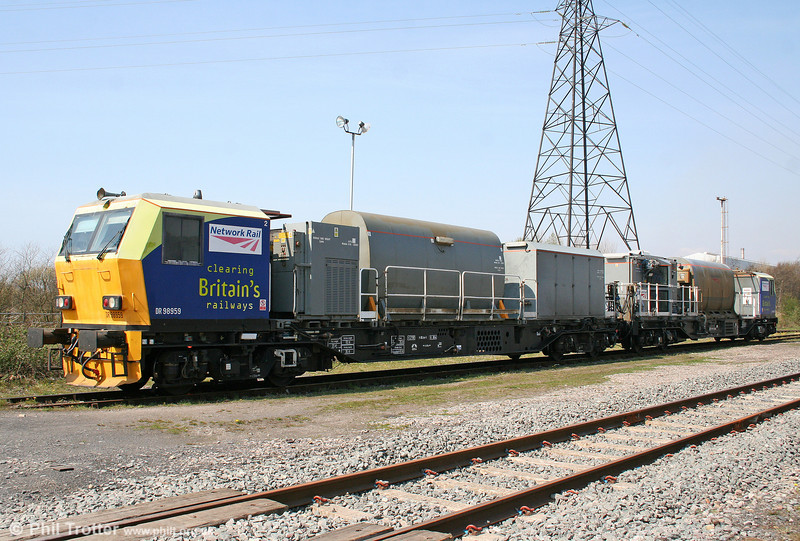 MPV DR98959 & DR98909 at Margam Knuckle Yard on 18th April 2010.