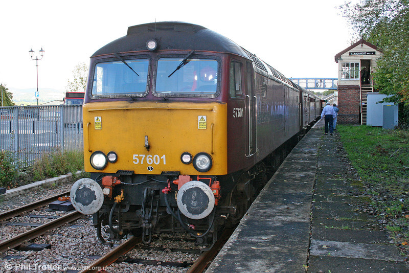 A platform-side view of 57601 as it waits at Llandrindod Wells with 1Z15/51, 0600 York and Manchester Victoria to Cardiff Central, 'The Heart of Wales Statesman' on 11th September 2010.