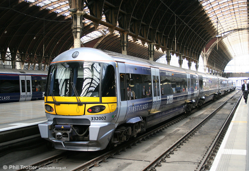 While the airline shutdown meant enhanced rail services elsewhere, dedicated airport links saw a significant downturn in demand. Heathrow Express services were reduced to hourly (from 15 mins) until flights resumed. HE 332002 waits in vain for passengers at London Paddington on 19th April 2010.