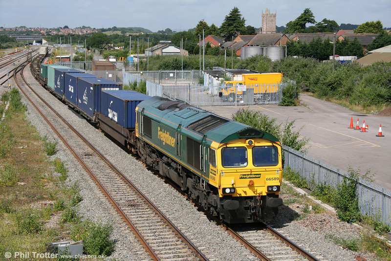 66589 at Severn Tunnel Junction with 4O51, 1000 Wentloog to Southampton on 8th July 2010.