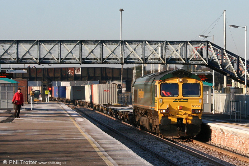 66516 passes through the newly (re)opened platform 4 at Severn Tunnel Junction with 4O51, 1000 Wentloog to Southampton on 4th January 2010.