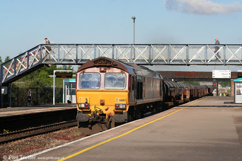 66182 at Severn Tunnel Junction with 6M96, 0550 Margam to Corby on 28th May 2010.