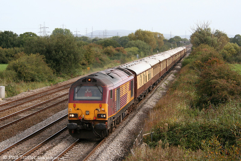 67016 passes Coedkernew with the VSOE Pullman set, forming 5Z21, 1029 Newport to Pengam ECS, having earlier arrived at Newport with 1Z20, 0735 from London Paddington 'Golf-ex' on 2nd October 2010.