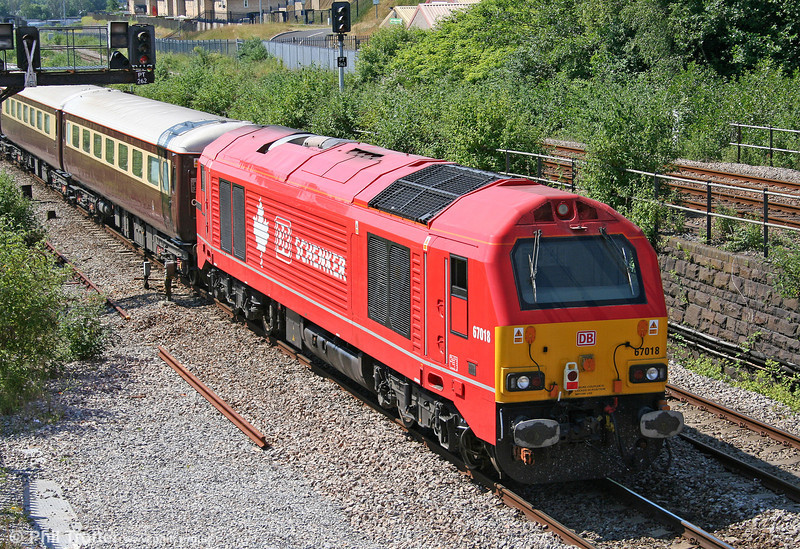 67018 'Keith Heller' passes Landore at the rear of 5Z25, 0945 Newport ADJ to Neath (via Swansea) Northern Belle ECS on 26th June 2010.