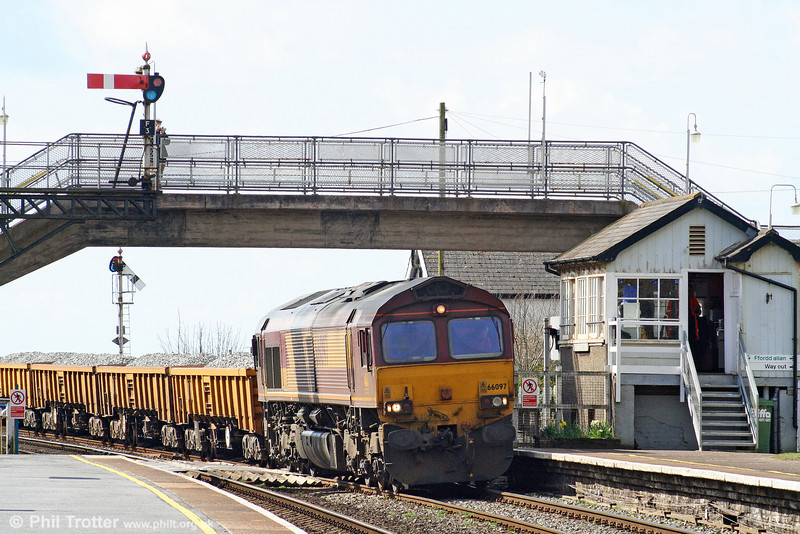 66097 arrives at Ferryside with 6W02, 0826 Westbury Yard to Ferryside on Easter Sunday, 4th April 2010.