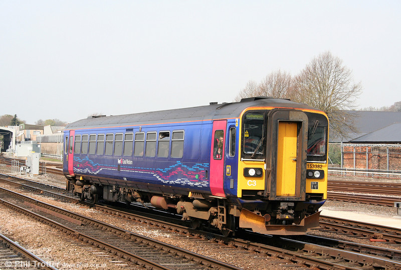FGW 153382 arrives at Salisbury forming the 1107 service from Westbury to Southampton Central on 24th April 2010.