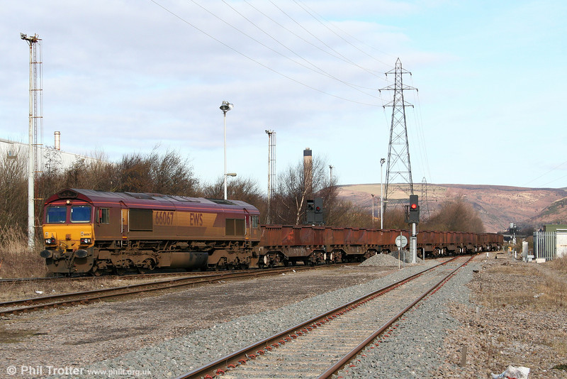66067 arrives at Margam, Knuckle Yard with 6B03, 0910 Trostre to Llanwern on 6th March 2010.