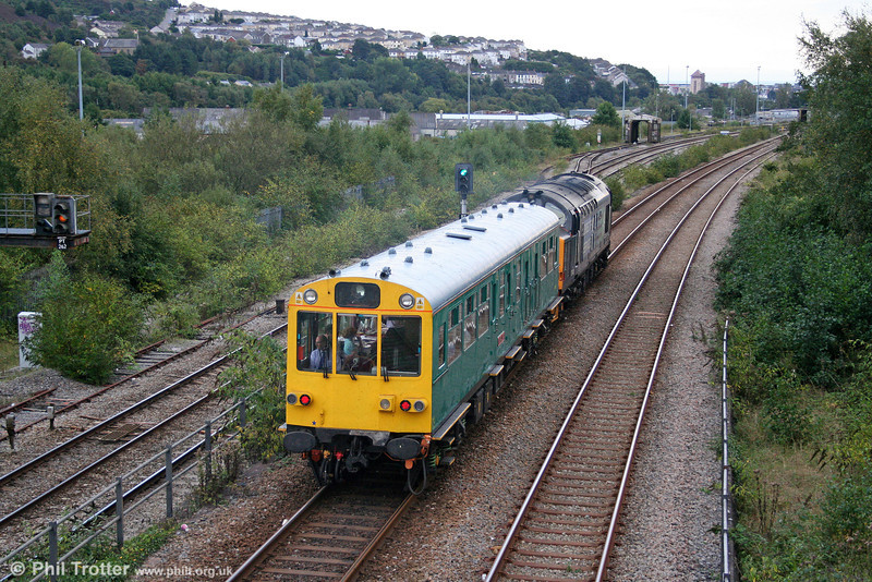 37423 'Spirit of the Lakes' and Inspection Saloon 975025 'Caroline' approach Swansea, having reversed at Loop West with 2Z01, 0931 Ealing Broadway to Swansea on 21st September 2010.