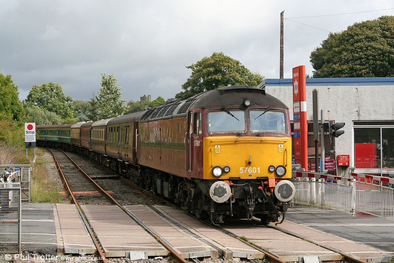 57601 heads 1Z15/51, 0600 York and Manchester Victoria to Cardiff Central, 'The Heart of Wales Statesman' into Llandovery on 11th September 2010.