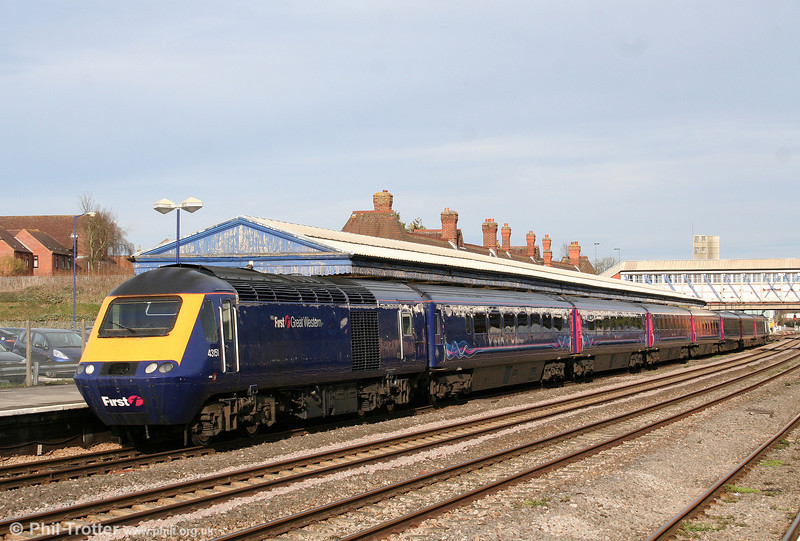 43151 calls at Newbury with the 1636 London Paddington to Exeter St. Davids on 6th April 2010.