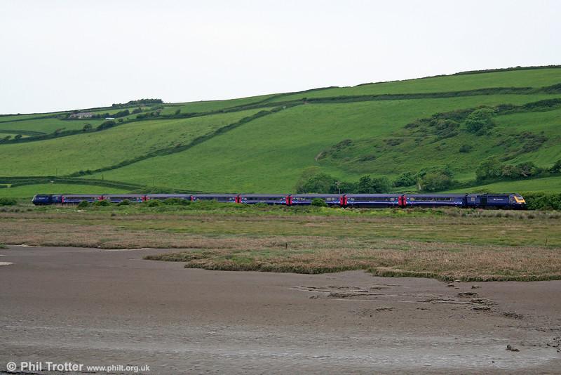 FGW's 1455 Pembroke Dock to London Paddington approaches Kidwelly on 5th June 2010.