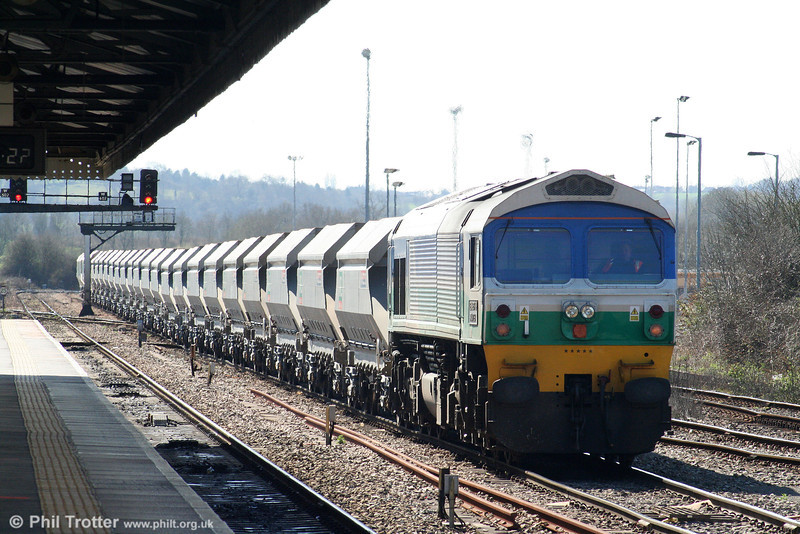 A further shot of 59005 'Kenneth J Painter' as it waits to leave Westbury with 6L21, 1330 Whatley to Dagenham on 8th April 2010.