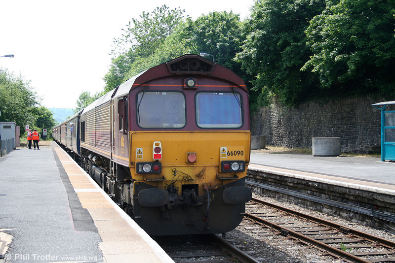 66090 at Llandeilo, bringing up the rear of 1Z59, 0610 Holyhead to Carmarthen, 'The Heart of Wales Scenic Rambler' on 5th June 2010.