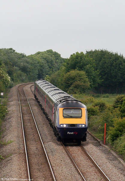 FGW's 1455 Swansea to London Paddington is seen at St. Athan on 13th June 2010.