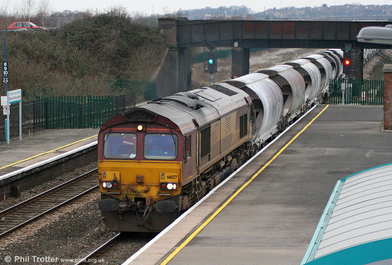 66127 at Severn Tunnel Junction with 6M60, 0400 Exeter Riverside to Bescot china clay on 29th January 2011.