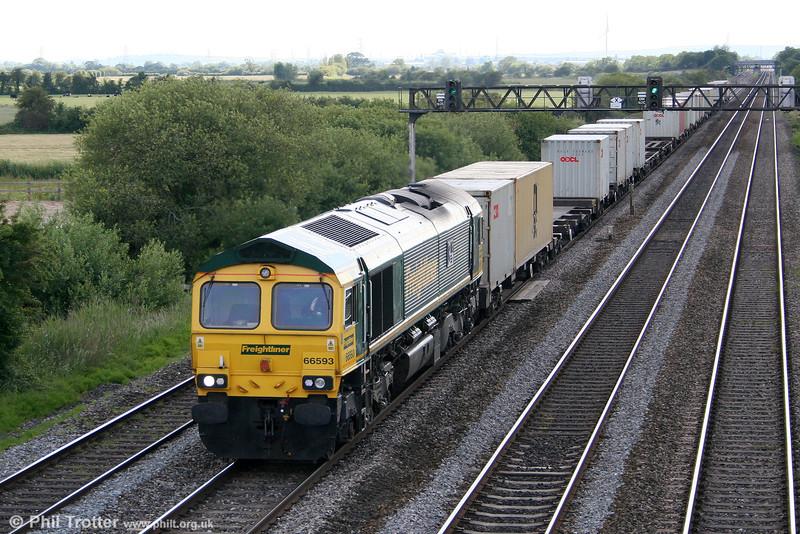 66593 '3MG Mersey Multimodal Gateway' returns through Coedkernew with 4M64, 1605 Wentloog to Crewe Basford Hall on 11th June 2011.