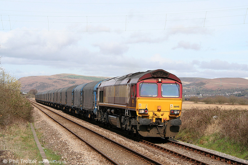 Blue train: 66148 passes Llangennech on the final leg of 6Z12, 0750 Dollands Moor to Trostre on 2nd April 2011.