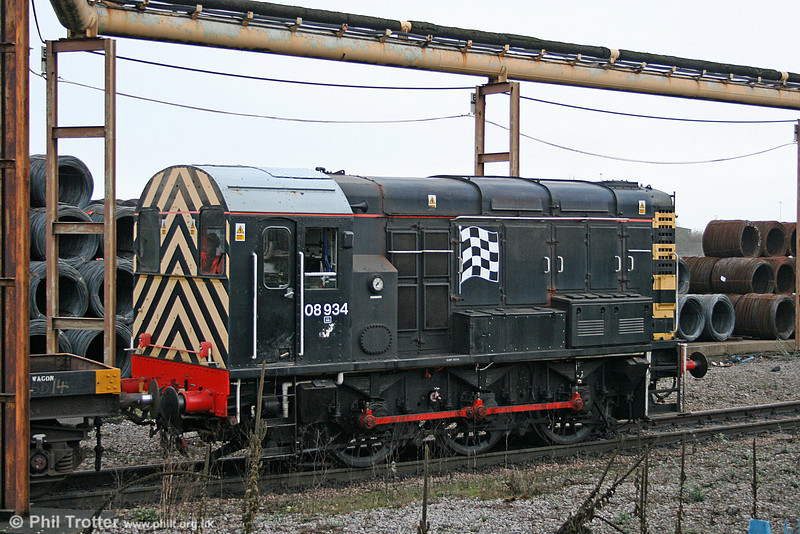 GBRf's 08934 is - to date - the second class 08 to be brought to Cardiff Tidal by that operator. The loco, in 'Virgin Pitstop' livery, was previously at Whitemoor Yard and is seen at Celsa Rod and Bar Mill on 11th February 2011.