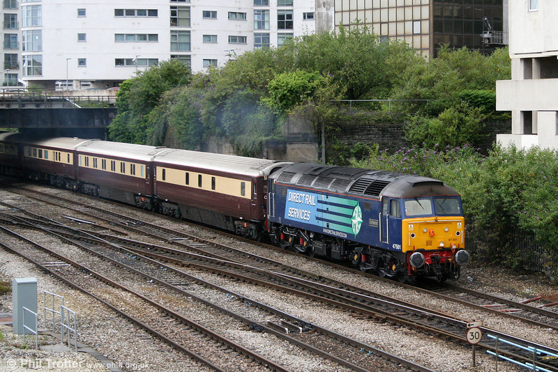 DRS 47501 'Craftsman' passes Pellet Street, Cardiff with 1Z71, 1115 Cardiff Central to Eastleigh Northern Belle on 25th June 2011.