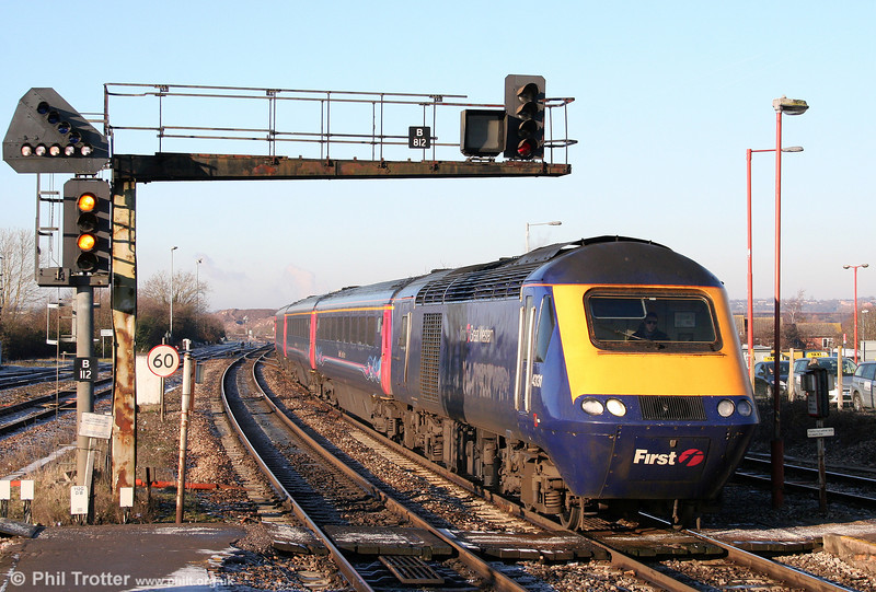 43131 approaches Bristol Parkway with the 0955 Cardiff Central to London Paddington on 20th January 2011.