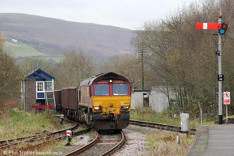 66121 runs onto the Gwaun Cae Gurwen branch at Pantyffynnon with 6G05, 0920 Swansea Burrows Sidings to GCG on 24th November 2011.