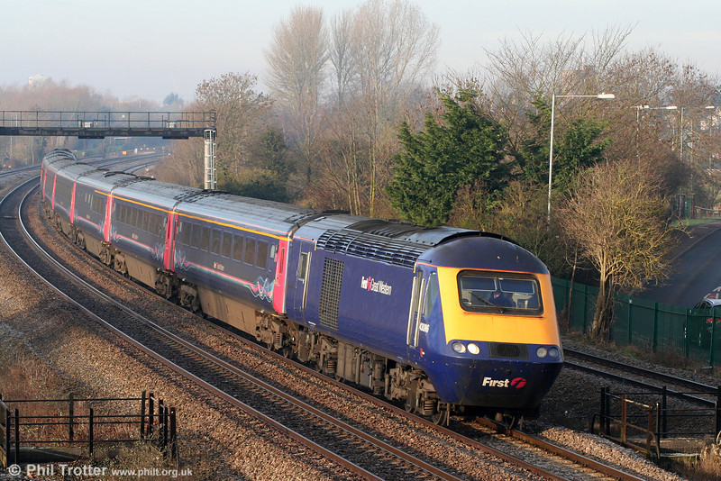43086 passes Undy at the head of the 0730 Carmarthen to London Paddington on 22nd January 2011.