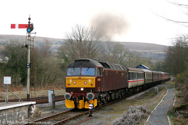 WCRC 47760 at Pantyffynnon with private charter 1Z67, 1606 Haverfordwest to Carnforth on 19th March 2011.
