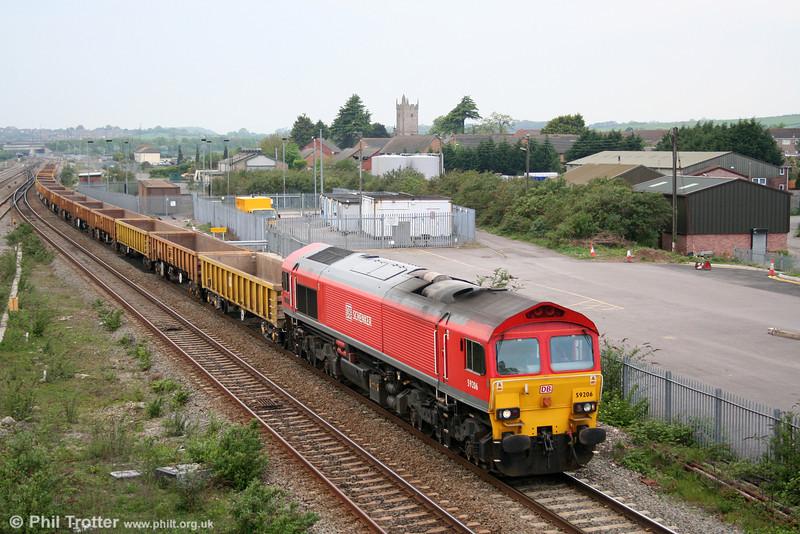 59206 'John F Yeoman - Rail Pioneer' passes Severn Tunnel Junction with 6C41, 1515 Newport ADJ to Westbury Yard on 22nd April 2011.