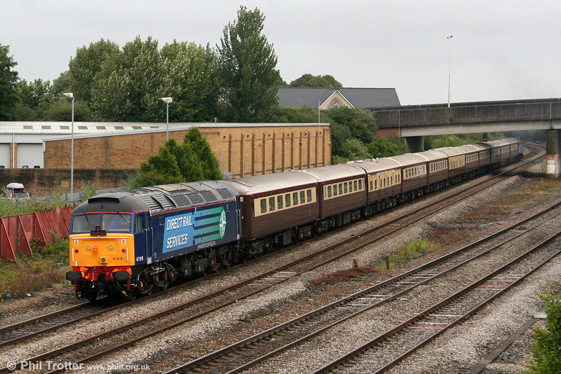 Recent DRS acquisition 47818 brings up the rear of 1Z71, 1115 Cardiff Central to Eastleigh Northern Belle as it leaves Cardiff on 25th June 2011.