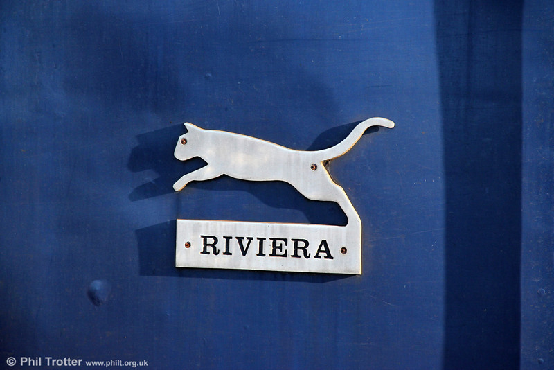 The Riviera Trains leaping cat logo as fitted to Riviera Trains 47843. Didcot Parkway, 27th October 2012.